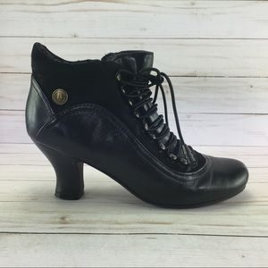 Hush puppies Vivianna Lace up boots size 6